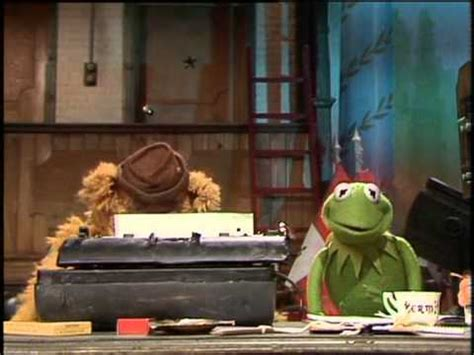 The Muppet Show - Fozzie is writing the script for this