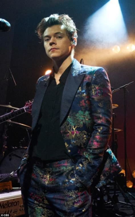 Style lessons we've learned from Harry Styles   Daily Mail